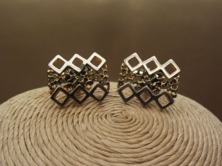 Vintage 1980s Cufflinks in Gold Tone with Zig Zag Design