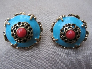 Vintage JOAN RIVERS Turquoise Enamel and Coral Clip On Earrings