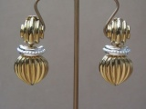 Vintage 1980s  ERWIIN PEARL Ribbed Clip On Earrings in Gold Tone